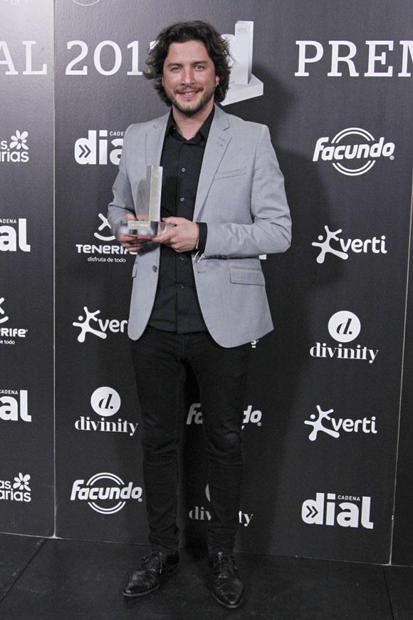El cantante Manuel Carrasco en los Premios Dial