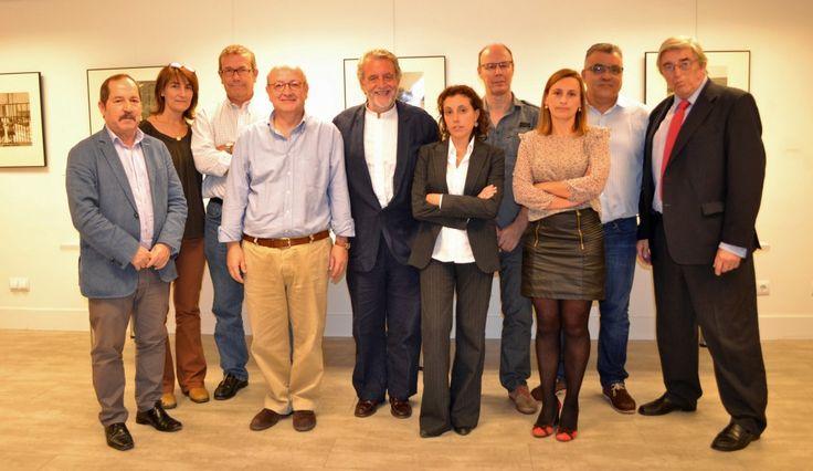 Al mediodía de hoy, 28 de octubre, se ha constituido en Madrid la plataforma en defensa de onda corta de Radio Exterior de España La Plataforma ha sido constituida por las siguientes organizaciones...