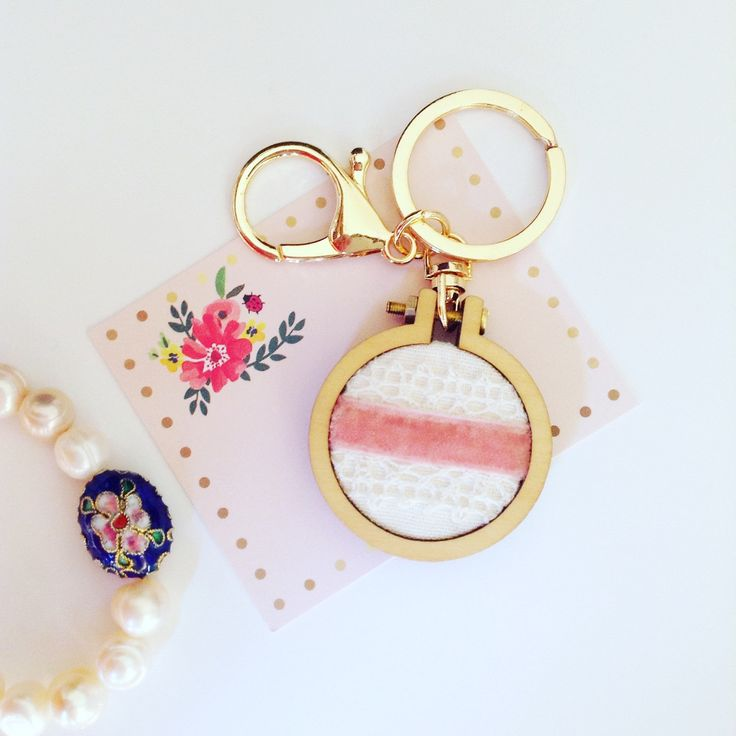 Keychain with miniature embroidery hoop handmade, made in Greece, embroidery hoop, hand stitched, pink, lace, velvet, gift, style, gold