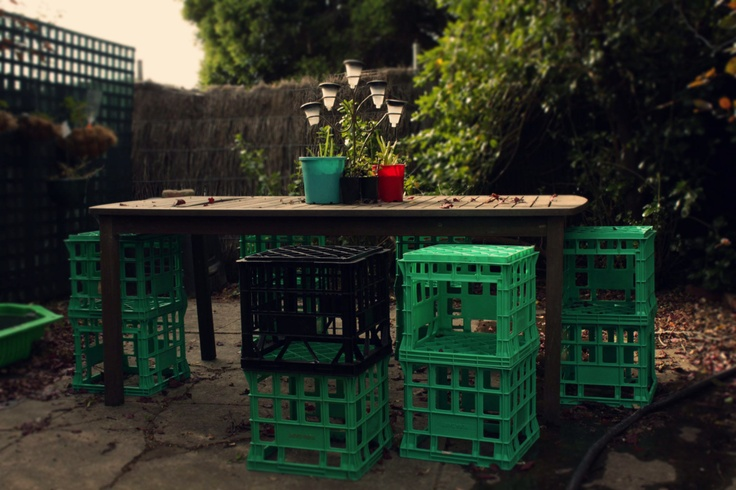milkcratemad:  #2 BAR STOOL or HIGH STOOL Two milk crates cable tied together make great seats for a bar or high table.