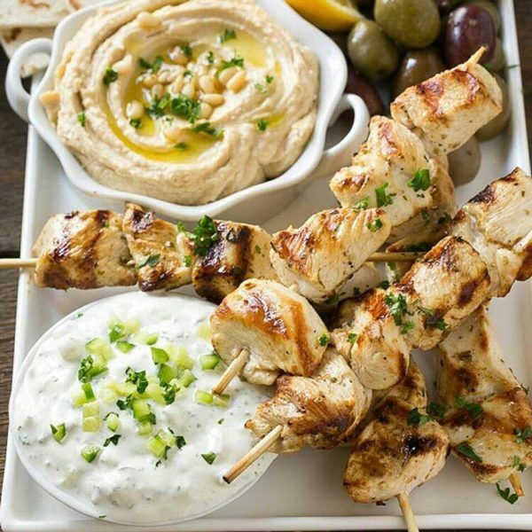Kick your chicken up a notch with this super easy Greek Chicken Souvlaki with yummy yogurt sauce. It's approved for all cycles of the 17 Day Diet.