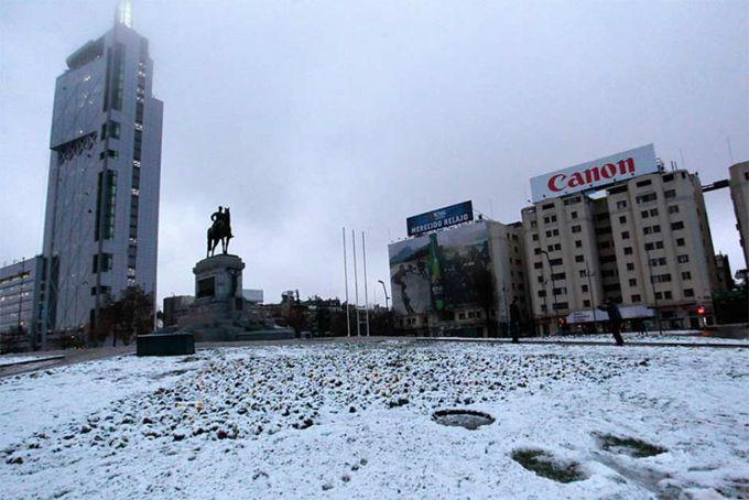 Inusual nevada causó estragos en Santiago de Chile (+fotos)