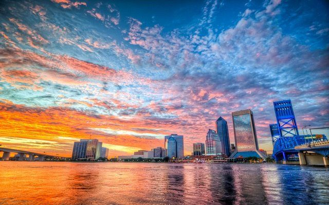 Gorgeous photo of downtown Jacksonville, Florida at sunset. Such a stunning city skyline if we say so ourselves!