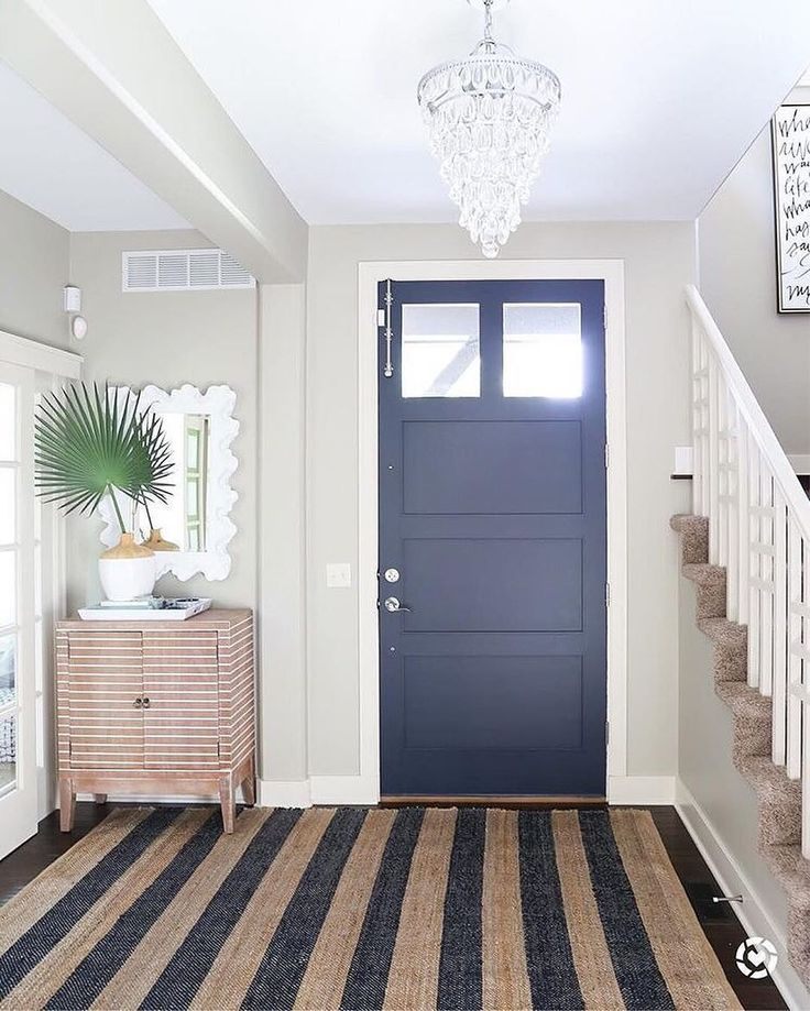 We're so excited about @lifeonvirginiastreet's front #entryway setup featuring our Pamela Accent Cabinet! What's your favorite way to make a statement in your entrance? {link in profile to shop} #jossfind #frontdoor #stylishstorage