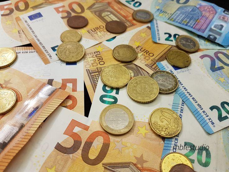 Gana dinero con una cuenta remunerada http://ladyblues.over-blog.es/2017/11/gana-dinero-con-una-cuenta-remunerada.html #dinero #intereses #remuneracion #beneficios #CuentaRemunerada #banco #nomina #deposito #rentabilidad #comisiones #fondos