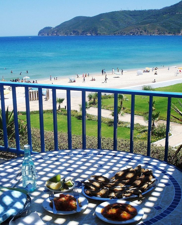 There's no better Place to have a #Breakfast, #Beachday in #Morocco :)   #Moroccanfood #Beachfun #Peace #Holidays #Travelling #Moroccotravel #Tourist #UK #ViriksonMoroccoHolidays #CheapHolidaystoMorocco