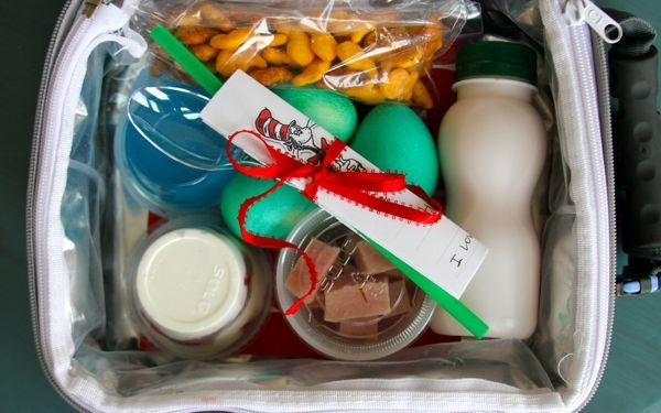 Dr. Suess Lunch. Soo cute! I have to do this for my kids on March 2nd.: Fun Recipe, Kids Lunches, Kids Stuff, Food, Seuss Ideas, Seuss Lunches, Dr. Seuss, Birthday Lunches, Dr. Suess