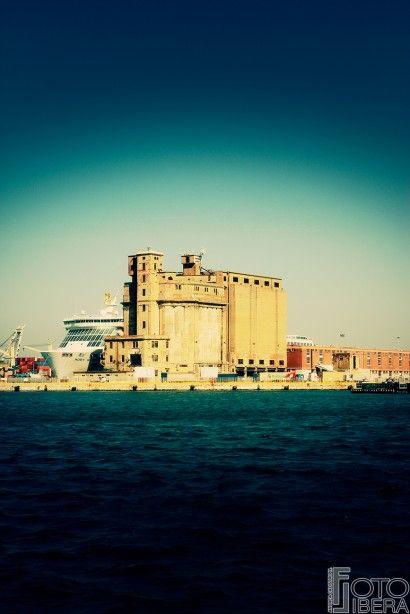 I Canali di #Livorno @Andrea Calistri ph. Visit the Gallery http://www.fotolibera.it/galleria/i-canali-di-livorno/