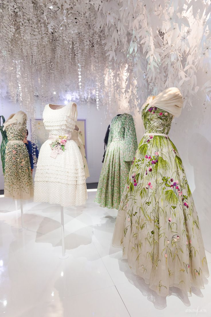 The Christian Dior, couturier du rêve - Exhibition in Paris Photography by Armenyl