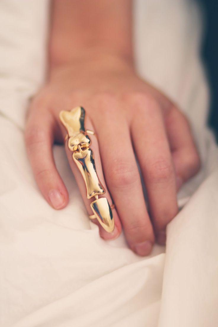 Skeleton finger ring