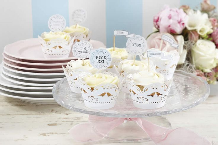 This elegant cupcake decoration pack includes 16 cupcake toppers and flags. Each cupcake decoration has a pretty silver vintage border surrounding a fun message. The messages include 2 x I'm yours, 2 x Delish, 4 x Pick Me, 4 x Yum, and 4 x plain for your own message like Matt's Cake.