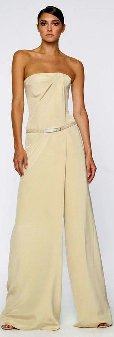 Dont like the color but like the big volume at the bottom ! Kaufmanfranco Resort 2014