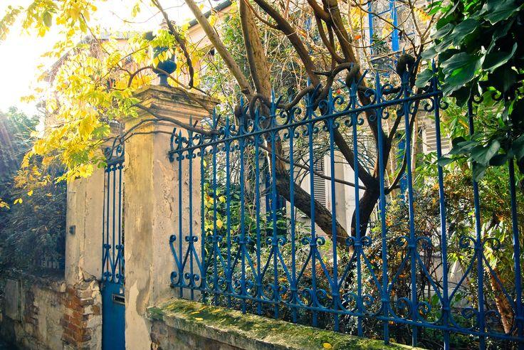 Cité de l'Ermitage 75020 Paris  Métro : Pyrénées, Ménilmontant ou Gambetta