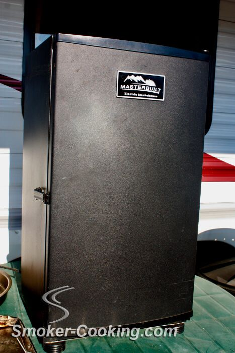Pros and Cons of the water pan in a Masterbuilt electric smoker. Should it be used?