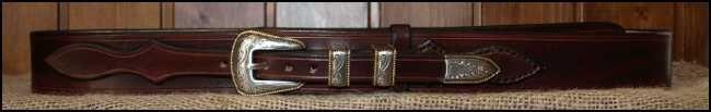 Cinturones de cuero.Hebilla de 4 piezas ribeteadas bañadas en oro y plata, en un cinturón de cuero de 4cm de ancho | Decuero Leather