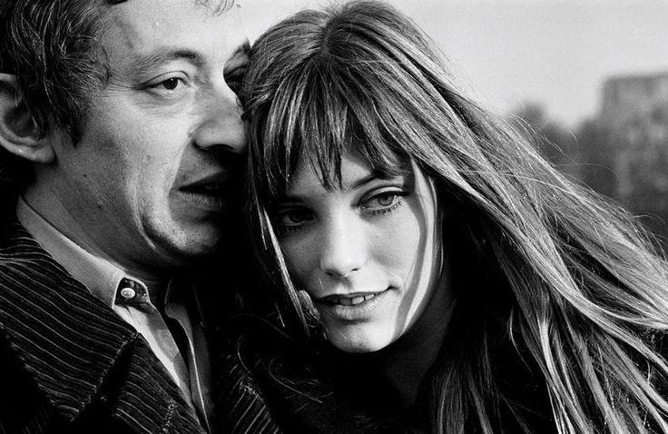 Gilles Caron, «Jane Birkin et Serge Gainsbourg, Paris, janvier 1969». Tirage argentique sur papier baryté + bain de conservation au sélénium © Fondation Gilles Caron Courtesy School Gallery - Olivier Castaing