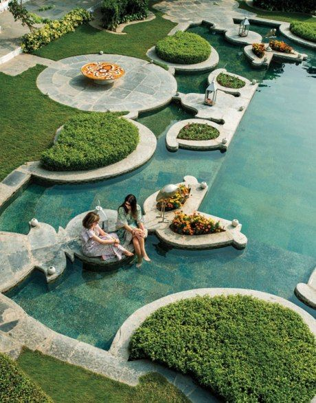 Cooling off at Udaipur's Taj Lake Palace http://www.tajhotels.com/Luxury/Grand-Palaces-And-Iconic-Hotels/Taj-Lake-Palace-Udaipur/Overview.html #Travel #India