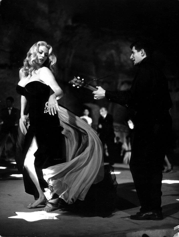 Fellini's 'La Dolce Vita' 1960 * Marcello Mastroianni and Anita Ekberg.
