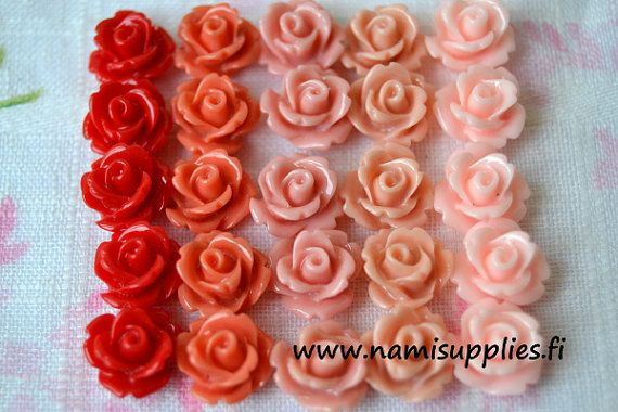 Light Pink Flower Cabochons 10pcs  Resin by NamiSupplies www.taikalandia.com https://www.etsy.com/shop/NamiSupplies