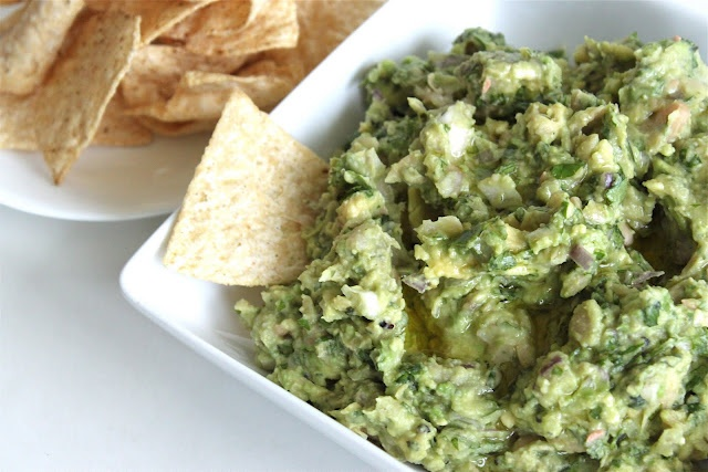 Guacamole with white beans! Healthier!