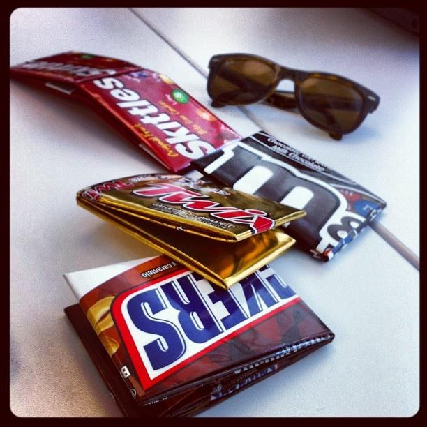 "@ecofashionsf's photo: ""#wallet #fashion #ecofashion #sanfrancisco #sf #california #eco #ecofriendly #candywrapper #skittles #twix #mms #snickers #accessories"""