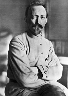Felix Dzerzhinsky in 1918-Felix Edmundovich Dzerzhinsky (Russian: Фе́ликс Эдму́ндович Дзержи́нский; Polish: Feliks Dzierżyński [ˈfɛliks dʑerˈʐɨɲsci]; 11 September [O.S. 30 August] 1877 – 20 July 1926), nicknamed Iron Felix, was a Soviet statesman and a prominent member of Polish and Russian revolutionary movements. His party pseudonyms were Yatsek, Yakub, Pereplyotchik, Franek, Astronom, Yuzef, and Domanski..jpg