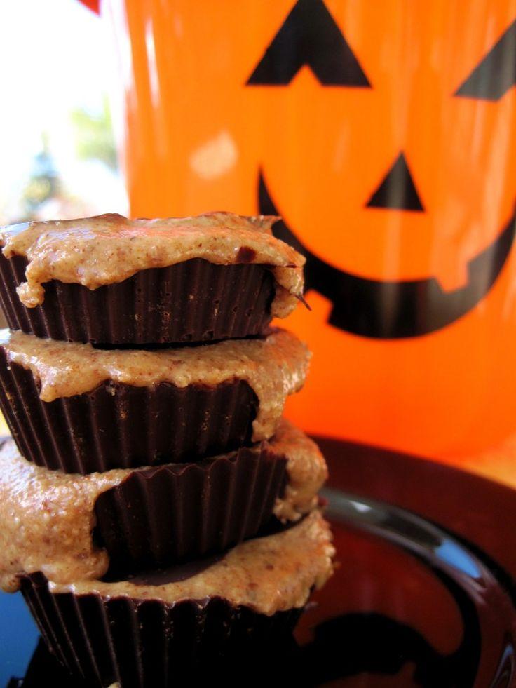 #paleo Halloween Sticky Chocolate Cups: 6-9 ounces dark chocolate chips; ½ cup almond butter; 2 tablespoons honey; 1 teaspoon cinnamon; ½ teaspoon vanilla extract; pinch of salt