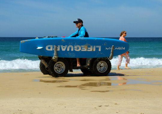 'Meanwhile in Australia...' 'Pendant ce temps en Australie...'  www.vise.pictures   #beach #lifeguard #Australia #Bondibeach #seascape #sea #pictures #Sidney #blue #sauveteur #Australie #plage #photo #original #originalphotography #topVISE