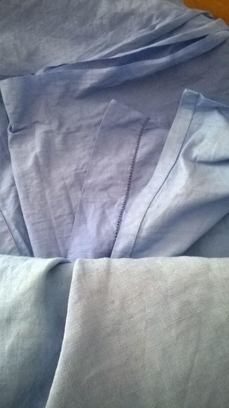 Vecchie lenzuola di lino della nonna ricolorate