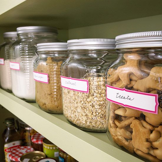 Glass storage jars are an inexpensive and attractive way to organize a pantry.: Stores Dry, Baking Ingredients, Pantries Organizations, Storage Jars, Glasses Storage, Glasses Jars, Garage Sales, Cookies Jars, Pantries Storage