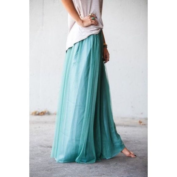 Summer teal maxi skirt •in new condition, used once for blog photoshoot.                                                        •no trades •perfect for summer 2016, add it to compete your summer look!    price is pretty FIRM but you can click the the offer button and we can negotiate a deal! •all sales are final! Candie's Skirts Maxi