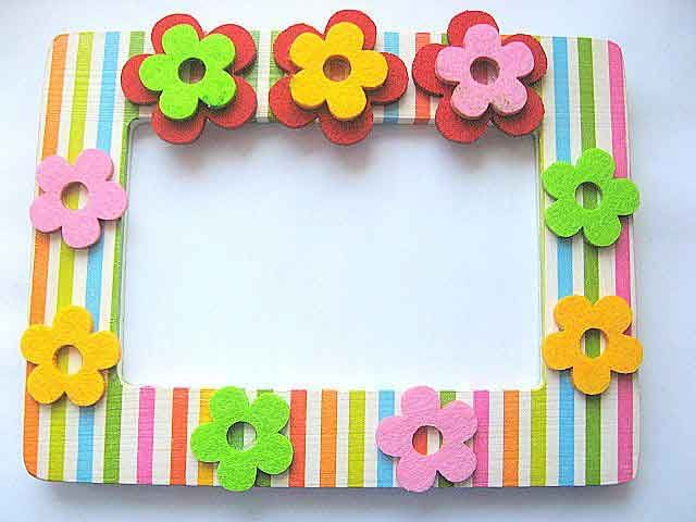#Rama #foto #copii, rama #foto din #lemn cu #model #floral in #relief 11899. Articol categoria #produse pentru #casa / pastrare #amintiri. Rama #camera #copii/model floral cu #flori in mai multe #culori in relief si #dungi #orizontale. #Culori: #albastru deschis, #blue, #verde deschis, #vernil, #alb, verde, #rosu, #galben, #portocaliu, #roz. http://handmade.luxdesign28.ro/produs/rama-foto-copii-rama-foto-din-lemn-cu-model-floral-in-relief-11899/