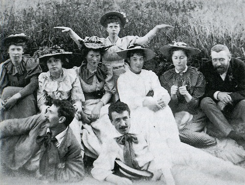 More bow-tie than you can handle! The Immortals at Dunure; Frances Macdonald (rear), Margaret Macdonald (left), Jessie Keppie (right) next to John Keppie, J. Herbert McNair (front left), Charles Rennie Mackintosh (front right)