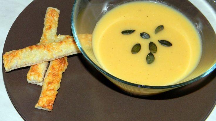 Zelleres burgonyakrémleves, diós-sajtos ropogóssal