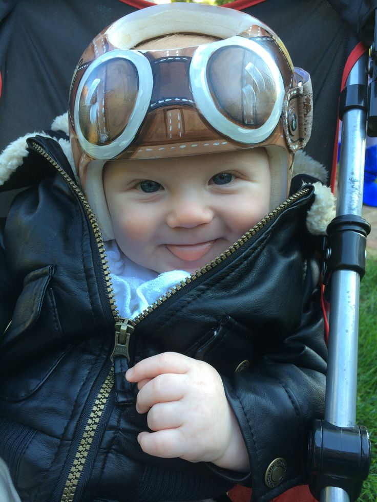 Finner In His Aviator Helmet Cranial BandStarband Httpswww - Baby helmet decalsa family blog that takes you through the experience of a baby with
