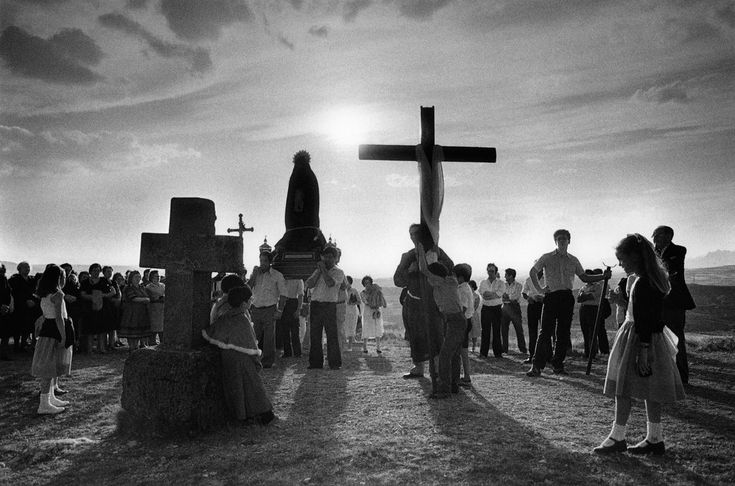 Cristina Garcia Rodero SPAIN. San Vicente de la Sonsierra. Via Crucis. 1981