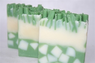 A fresh, tropical blend of coconut and lime with soap chunks and curls!