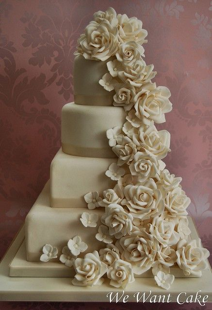 blooming: White Weddings Cakes, Beauty Cakes, Color, Elegant Cakes, Flower Cakes, Beauty Weddings Cakes, Cakes Design, Cascading Flower, Cakes Idea
