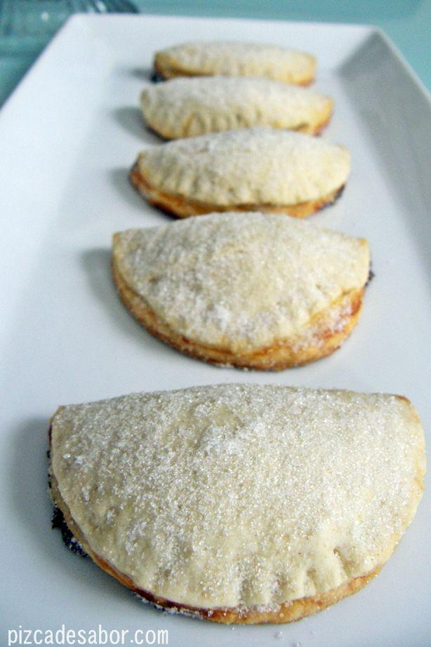 Empanadas de piña {reto dulce}   http://www.pizcadesabor.com/2012/11/30/empanadas-de-pina-reto-dulce/