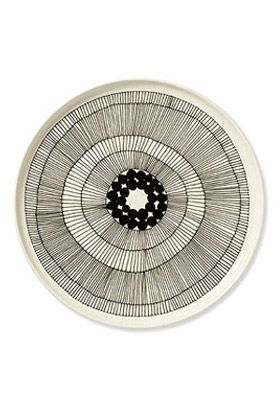 Siirotlauutarha plate. Designer: Maija Louekari. Maker: marimekko. (I went to school with her sister when I was an exchange student in Finland ... makes me love this collection even more!)