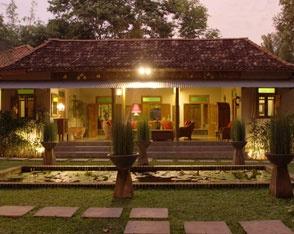 Traditional Javanese house in Yogyakarta.  d'Omah Jogja - Joglo Jawa di Tengah Pedesaan