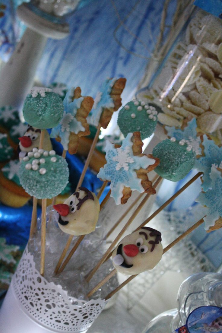 Cake pops and cookie wands
