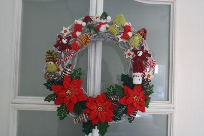 Hoy doy por finalizado el reto de la corona de navidad, me ha encantado. Ojalá todos los retos de la vida fuesen tan agradables como es...