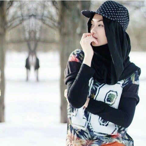 Swag Hijabi with Snapback