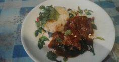 Guisado de hígado de ternera con salsa    Es una receta sencilla y rica para los amantes del higado... una de tantas formas de disfrutarlo