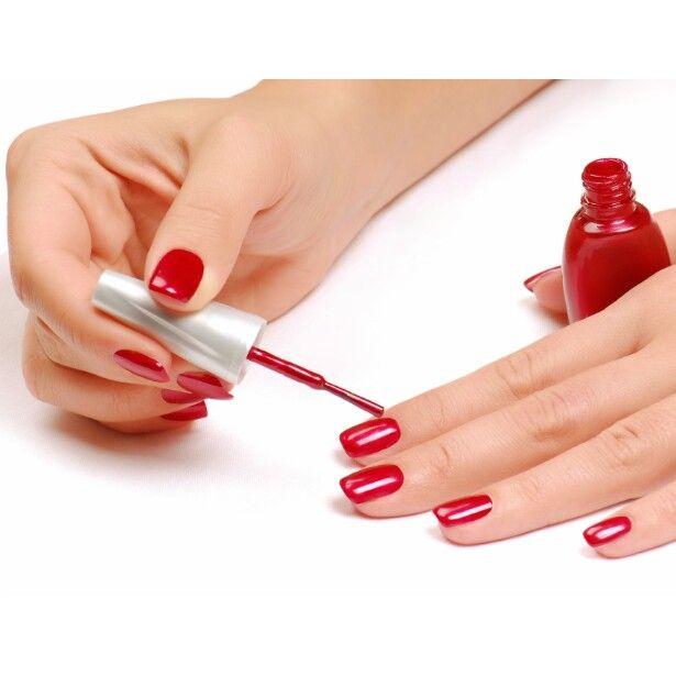Aprenda passo a passo a fazer as suas próprias #unhas em casa    #esmaltes#vermelho#pedicure#manicure    http://bit.ly/1aWcbYO