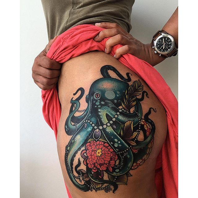 I like the size and pose of the octopus 1337tattoos:  Miryam Lumpini