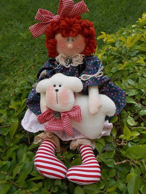Menina Ovelha! by Sherry - Maria Cereja, via Flickr