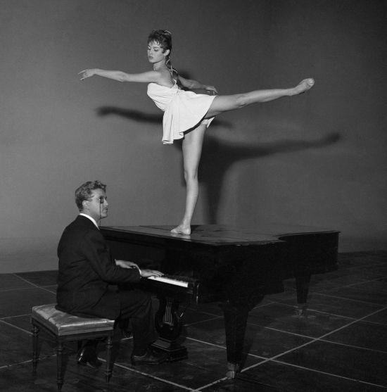 Brigitte Bardot ballet dancing on a piano 1950s