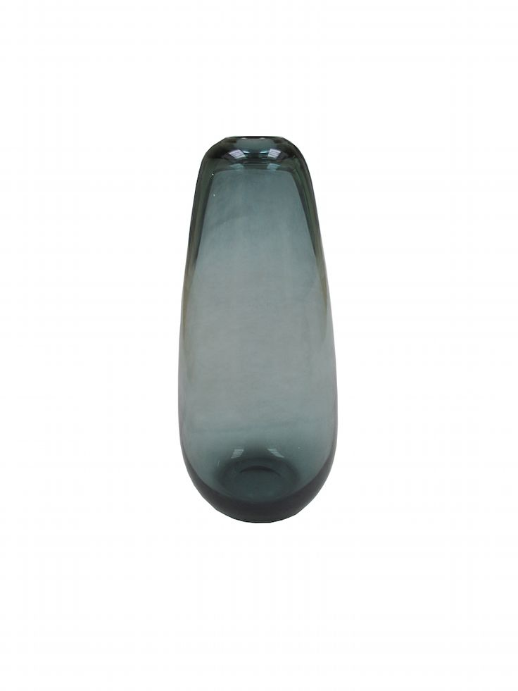 Vase designed by Wilhelm Wagenfeld; http://www.wonderroom.pl/